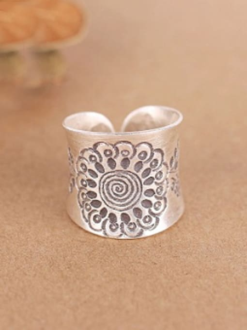 Peng Yuan Ethnic Flower-etched Handmade Silver Ring 0