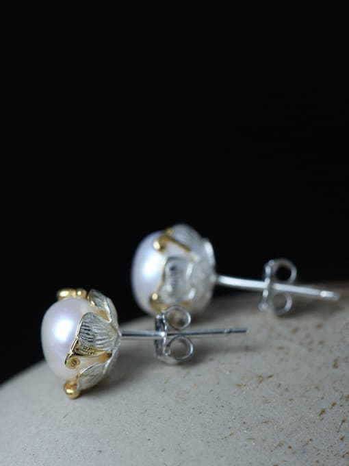 SILVER MI Sweet Freshwater Pearl stud Earring 2