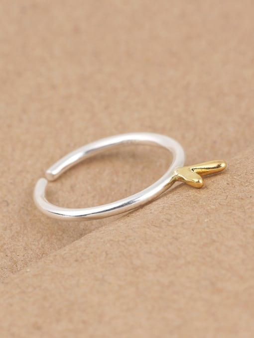 Peng Yuan Simple V-shaped Silver Opening Midi Ring 1