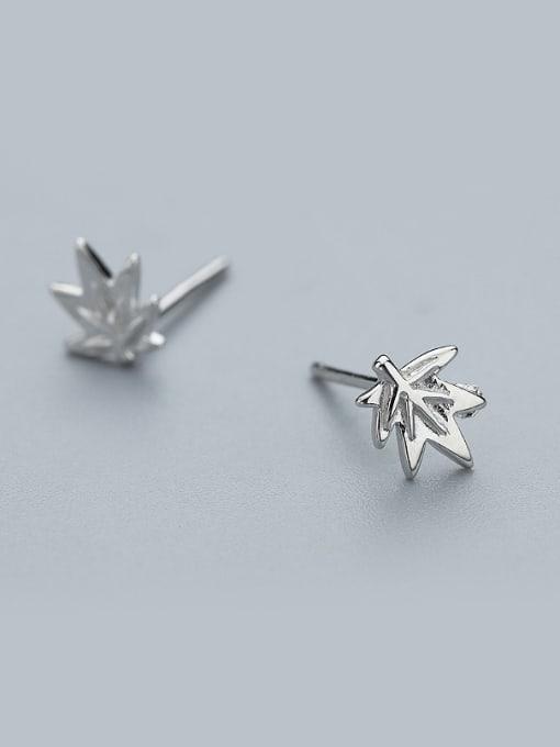 One Silver Women 925 Silver Leaf Shaped stud Earring