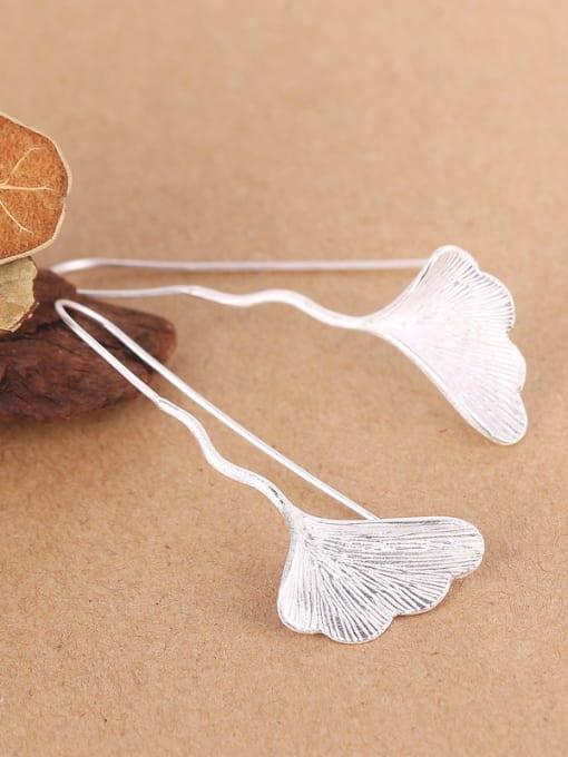 Peng Yuan Fashion Gingko Leaf Silver hook earring 2