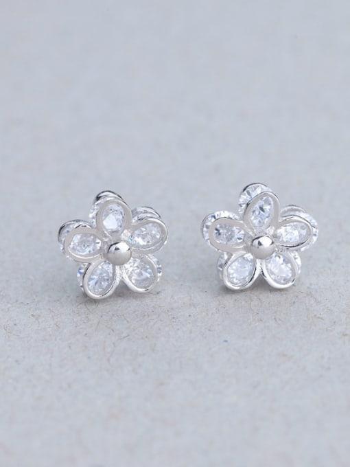 One Silver Women Flower Shaped Zircon Earrings