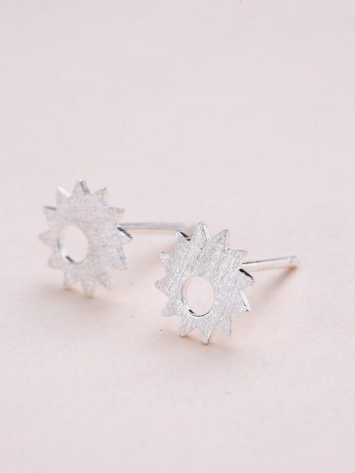 One Silver Women Elegant Flower Shaped stud Earring 2