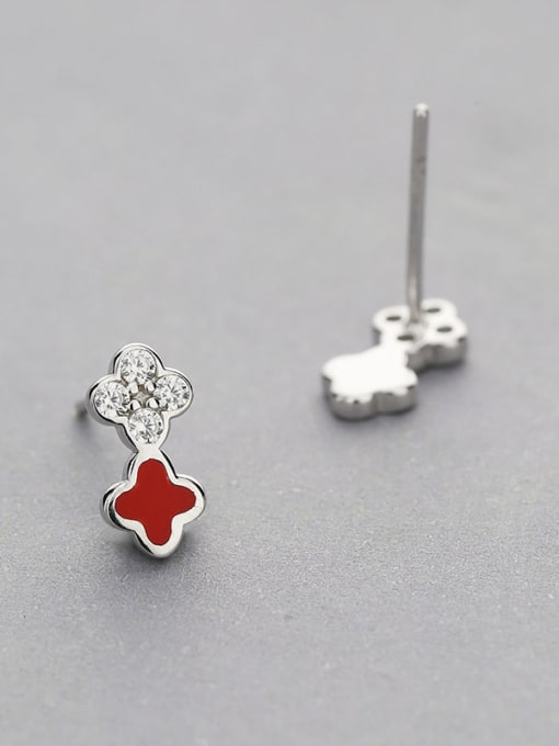 One Silver Red Clover Shaped Stud Earrings 2