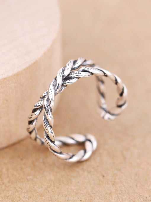 Peng Yuan Retro style Twisted Opening Midi Ring 1