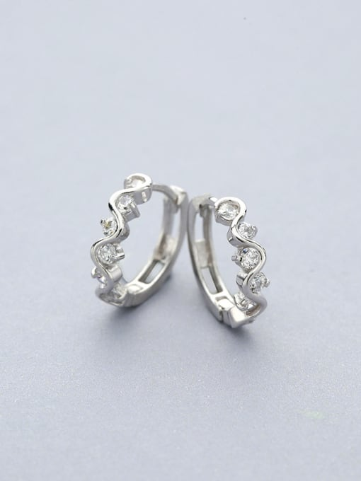 White Fashion 925 Silver Round stud Earring