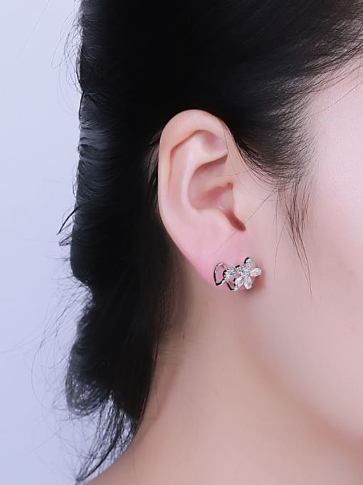 One Silver 2018 Temperament Flower Shaped Zircon Earrings 1