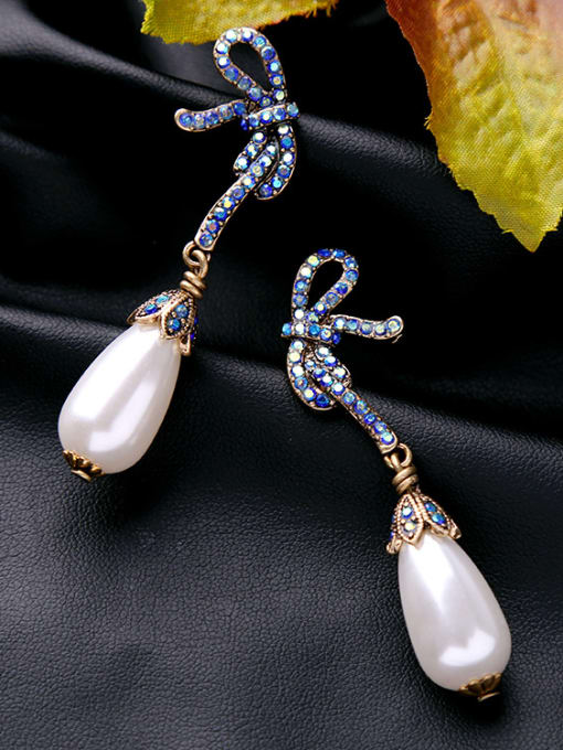 KM Bow Artificial Pearls drop earring 2
