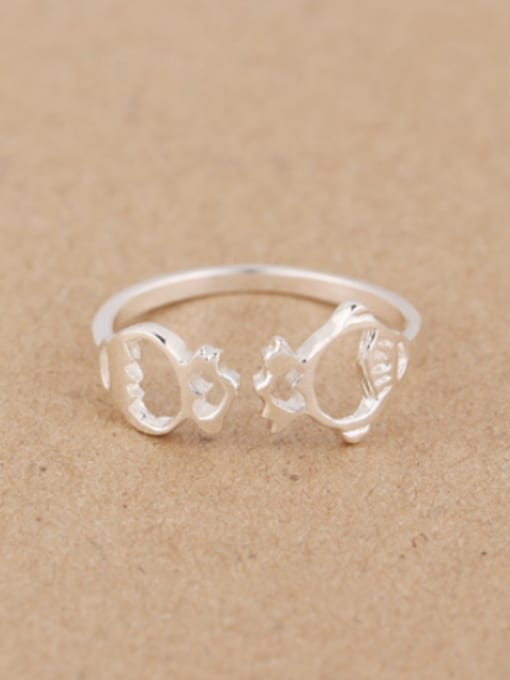 Peng Yuan Personalized Hollow Tiny Fish Opening Midi Ring