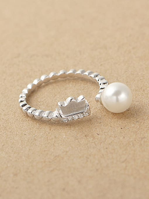 Peng Yuan Freshwater Pearl Crown Opening Midi Ring 1