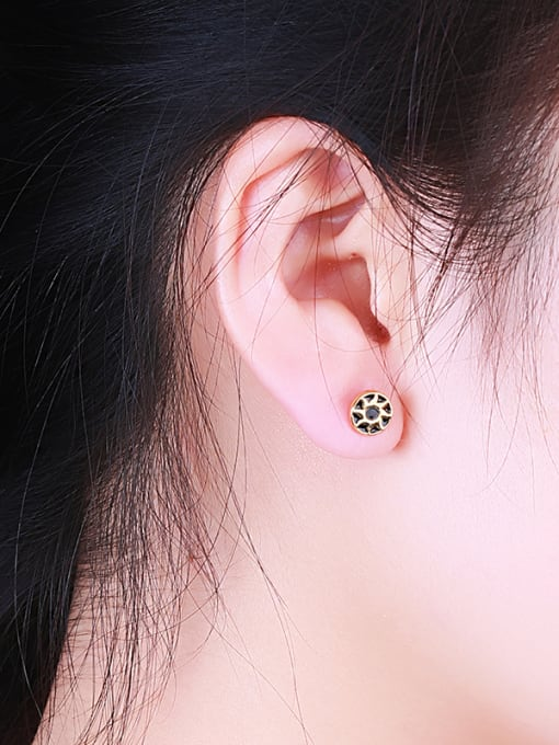 One Silver Gold Plated Sunflower Shaped stud Earring 1