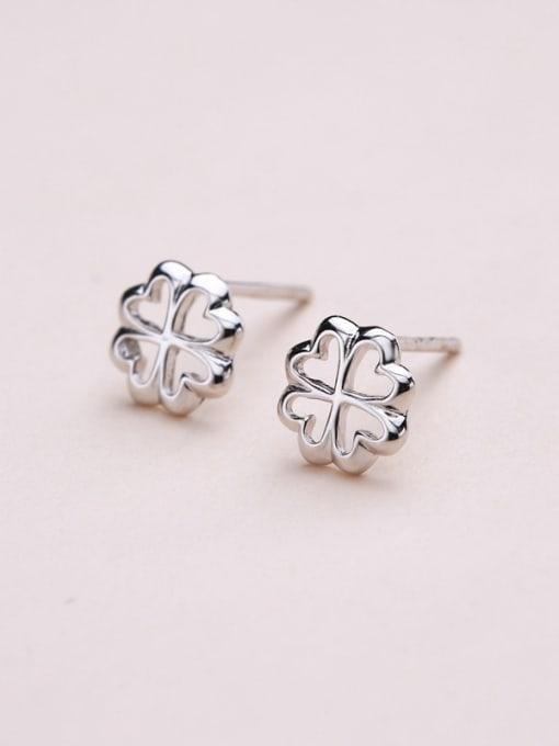 One Silver Fashion 925 Silver Snowflake Shaped stud Earring