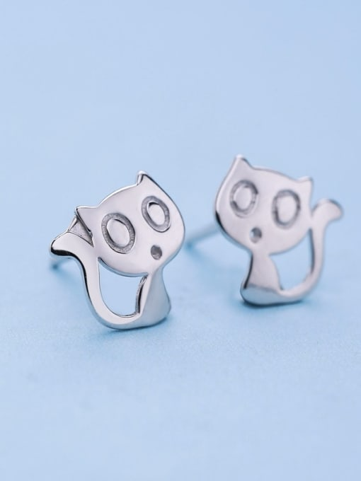 One Silver Exquisite Cat Shaped stud Earring 0