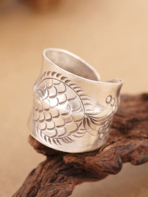Peng Yuan Ethnic Handmade Silver Fish-etched Ring 3