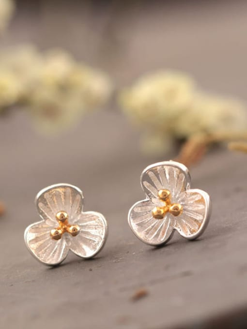 SILVER MI Doubles Color Three PetalS Flower stud Earring 1
