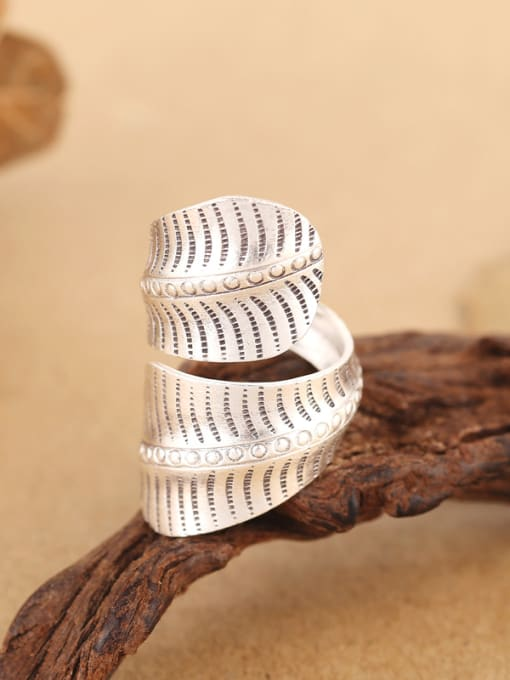 Peng Yuan Personalized Leaf-shaped Handmade Opening Ring 2