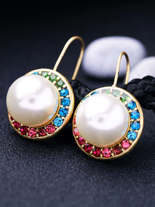KM Fashion Artificial Pearls Round Ear Hook 2
