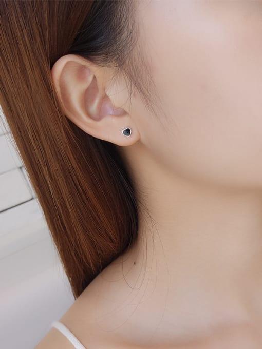 One Silver 925 Silver Black Heart Shaped stud Earring 1