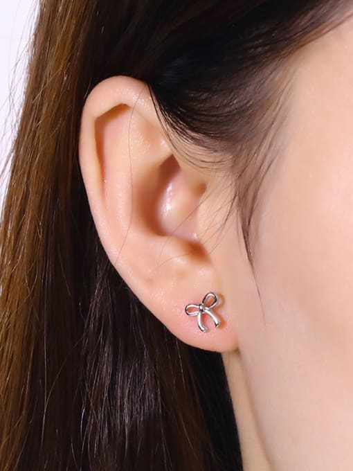 One Silver Temperament Bowknot Shaped stud Earring 1