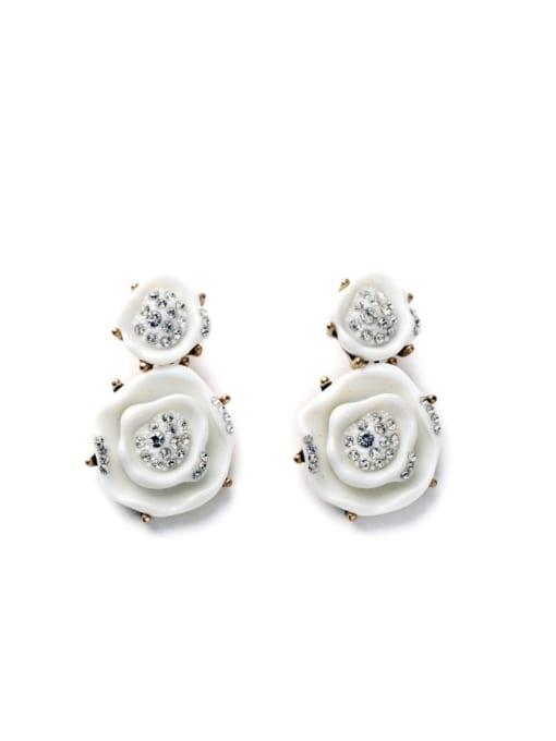 White Color Rhine Flower-shape stud Earring