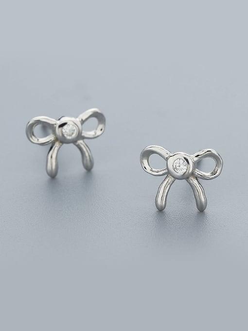 One Silver Temperament Bowknot Shaped Zircon cuff earring