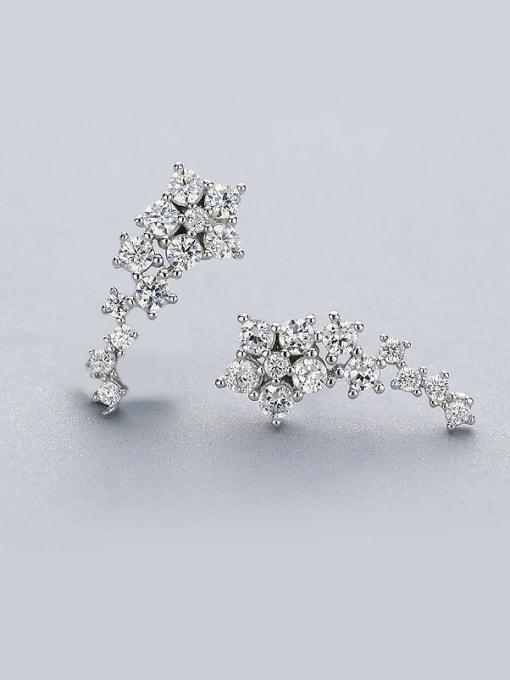 One Silver Shining Zircons Star Shaped stud Earring