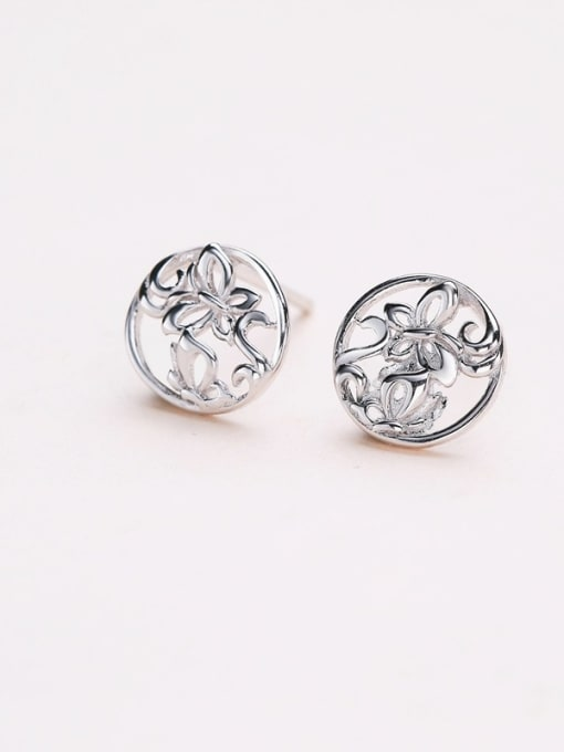 One Silver Exquisite Butterfly Shaped stud Earring