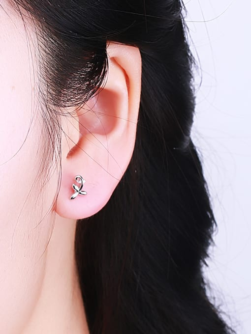 One Silver Lovely Leaf Shaped Silver stud Earring 1