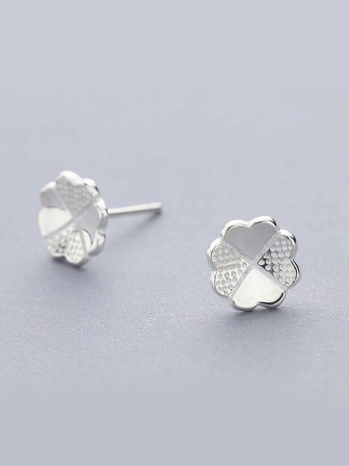 One Silver Elegant Clover Shaped Silver Earrings 0