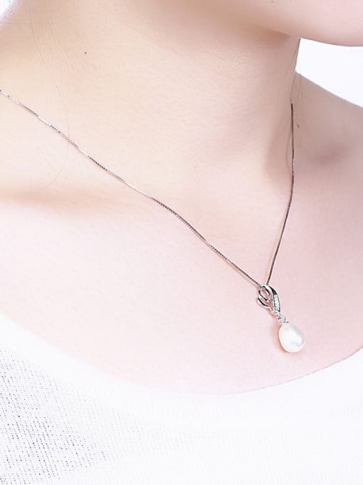 One Silver Temperament Heart Shaped Freshwater Pearl  Pendant 1