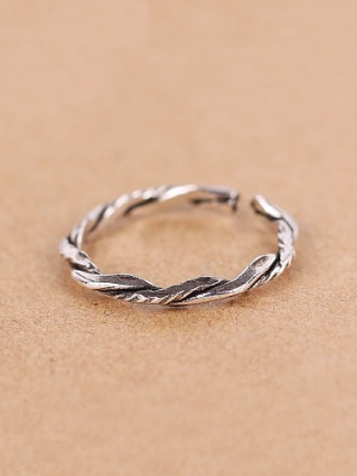 Peng Yuan Simple Twisted Silver Opening Midi Ring