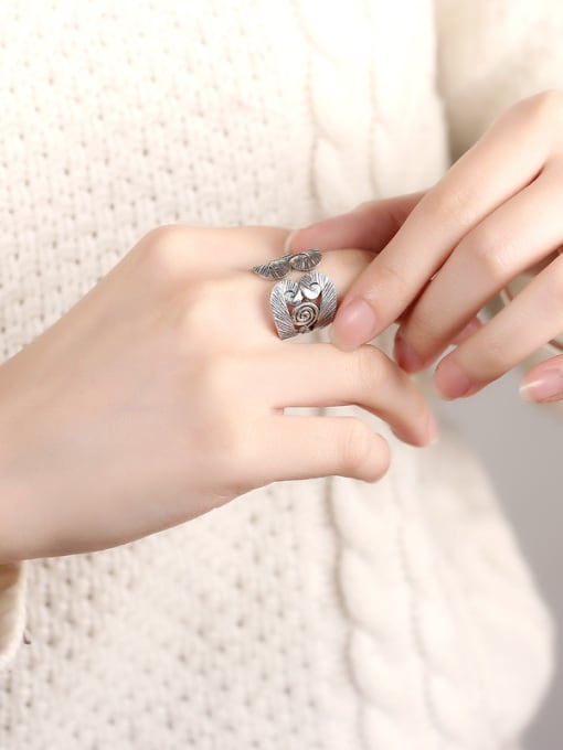 Peng Yuan Retro style Personalized Silver Ring 1