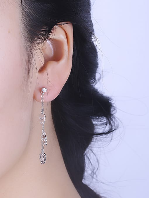 One Silver Women Skull Shaped Stud Earrings 1