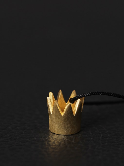 Gold Creative Queen Small Crown Necklace