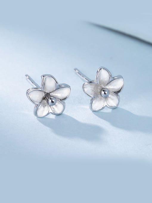 One Silver Personality Flower Shaped stud Earring 0
