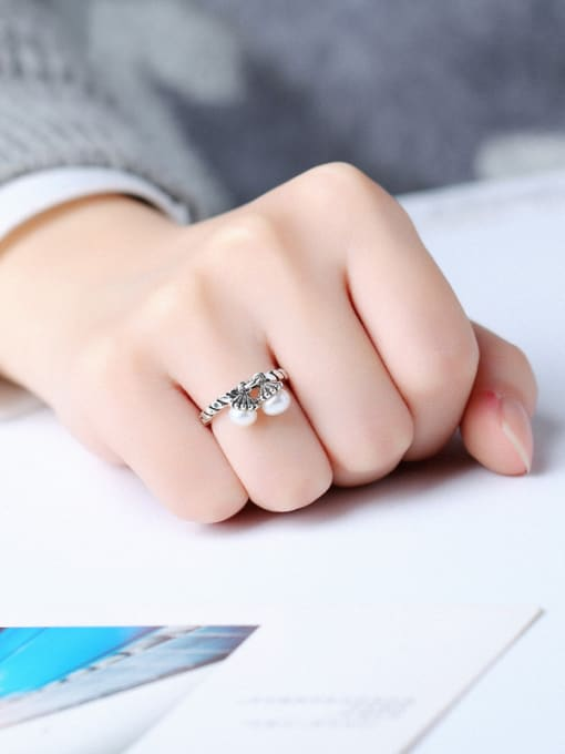 Peng Yuan Freshwater Pearls Twisted Silver Ring 1