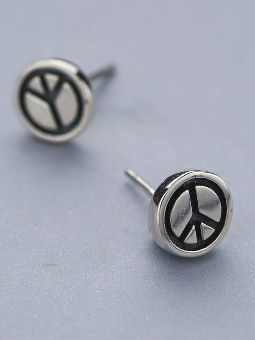 One Silver Women Vintage Round Shaped stud Earring 2