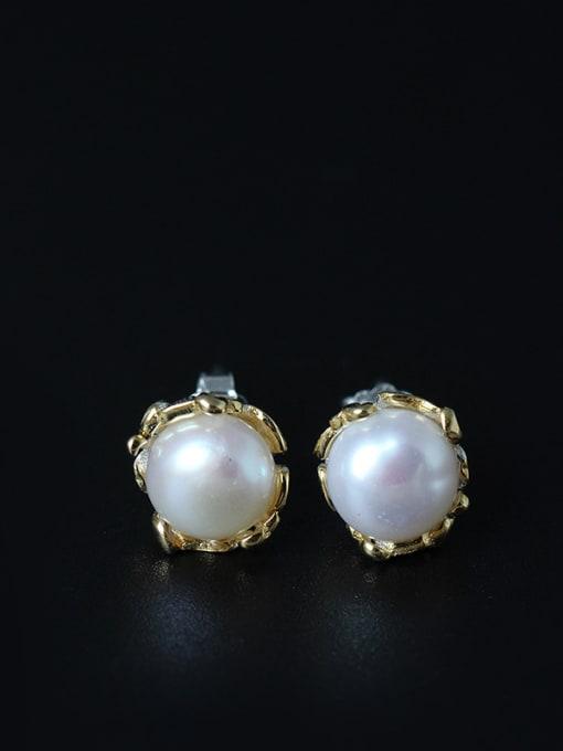 SILVER MI Sweet Freshwater Pearl stud Earring 0