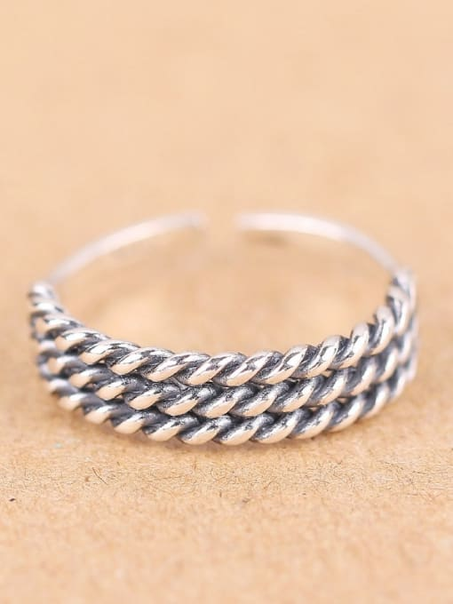 Peng Yuan Retro style Twisted Silver Midi Ring 0