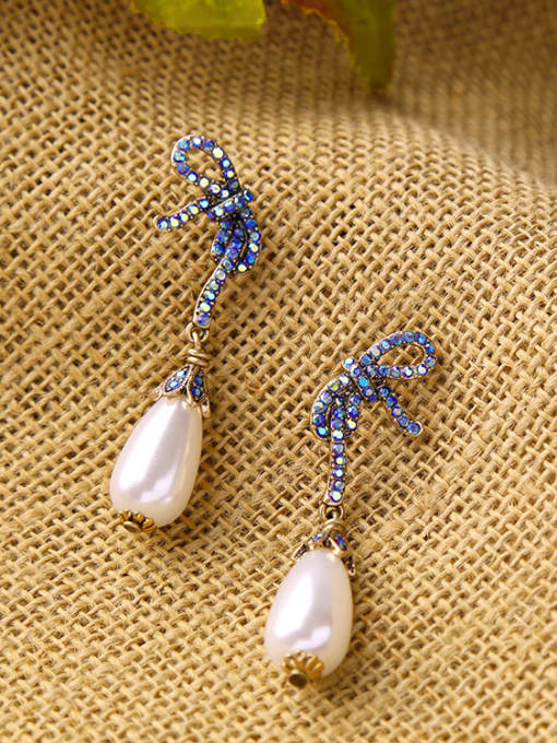 KM Bow Artificial Pearls drop earring 3