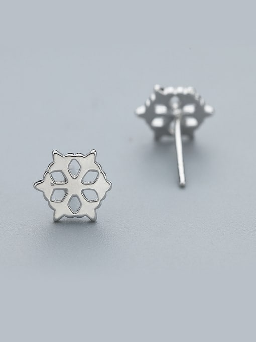 One Silver Temperament Hollow Flower Shaped Earrings