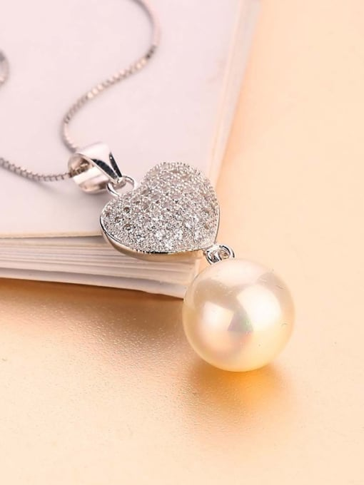 One Silver All-match Freshwater Pearl Heart Pendant 0