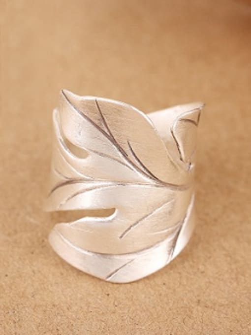 Peng Yuan Ethnic Maple Leaf Silver Ring