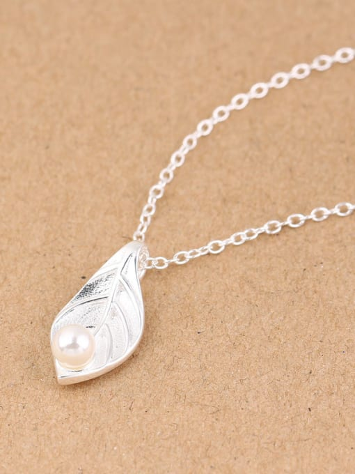Peng Yuan Freshwater Pearl Leaf Silver Necklace 1