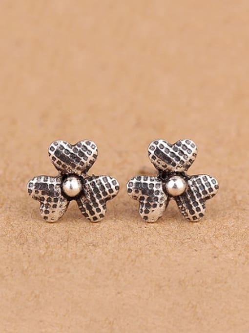 Peng Yuan Clover Tiny Silver stud Earring 0