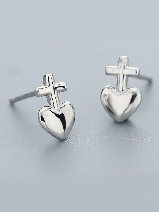 White Lovely Heart Shaped Stud Earrings