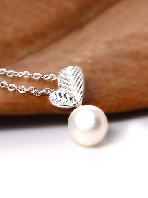 SILVER MI Freshwater Pearl Leaves Clavicle Temperament Necklace