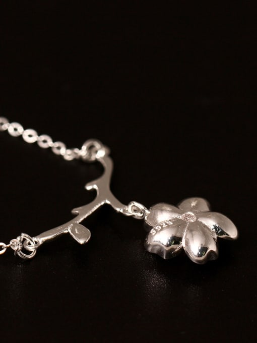 SILVER MI Creative Sweet and Lovely Cherry Blossom Necklace 2