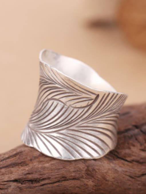 Peng Yuan Retro style Leaf-etched Handmade Ring 0
