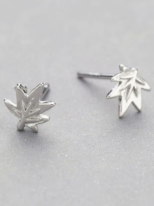 One Silver Women 925 Silver Leaf Shaped stud Earring 3